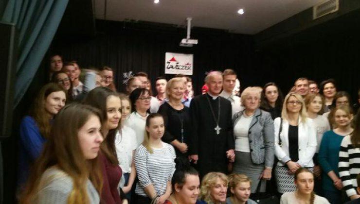 """Debaty młodych – Ludzie i ich Pasje"""","""