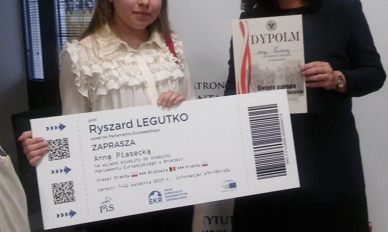 Sukces Anny Piaseckiej z klasy II B w konkursie historycznym!